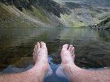 barefoot,toes,leg,legs,foot,feet,body,anatomy,human,health