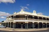 architecture dans la rue principale de Kalgoorlie en dans le Western australia